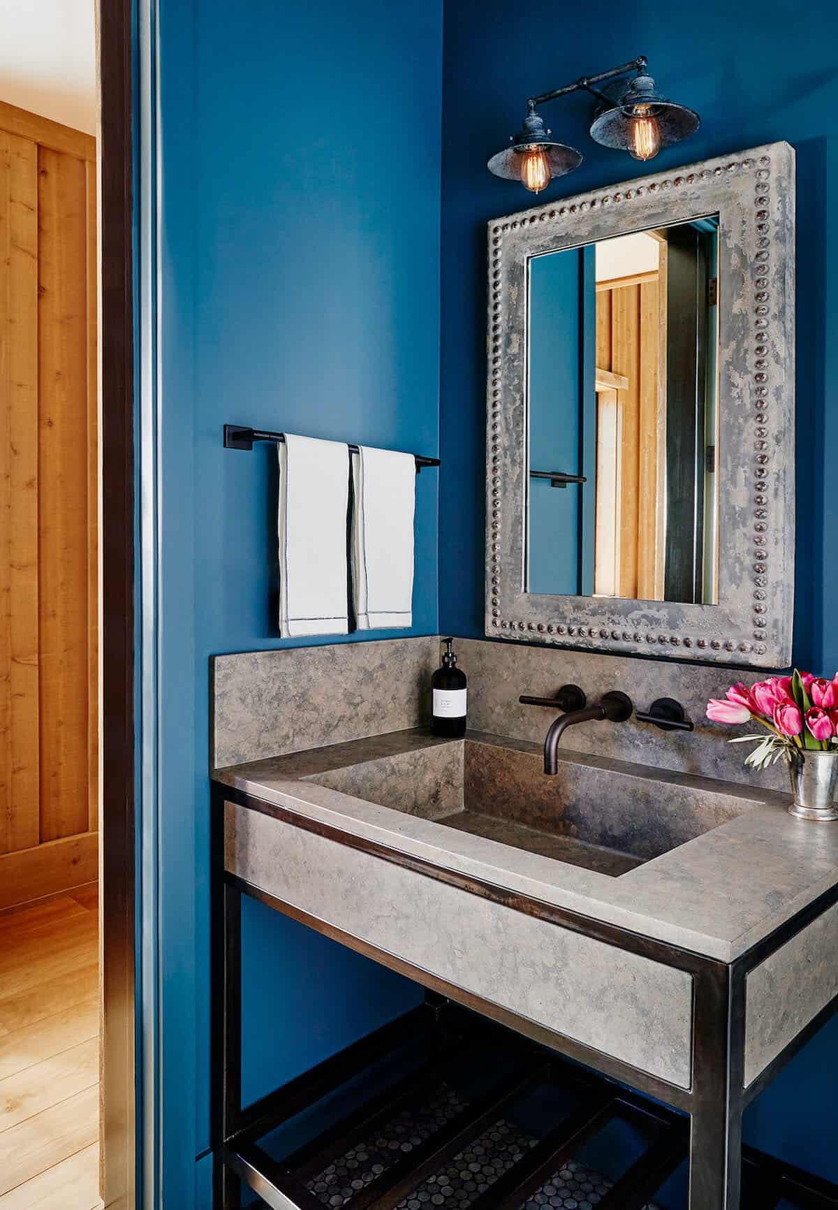 modern-entertainment-barn-guest-house-bathroom
