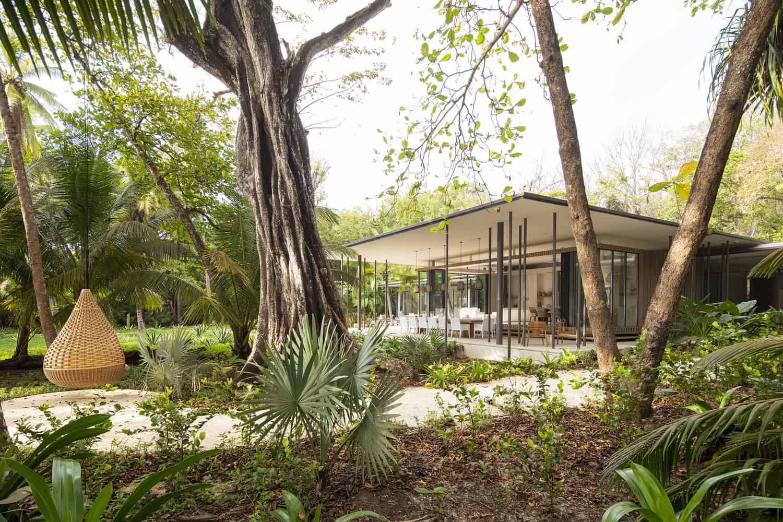 beach-house-exterior-jungle