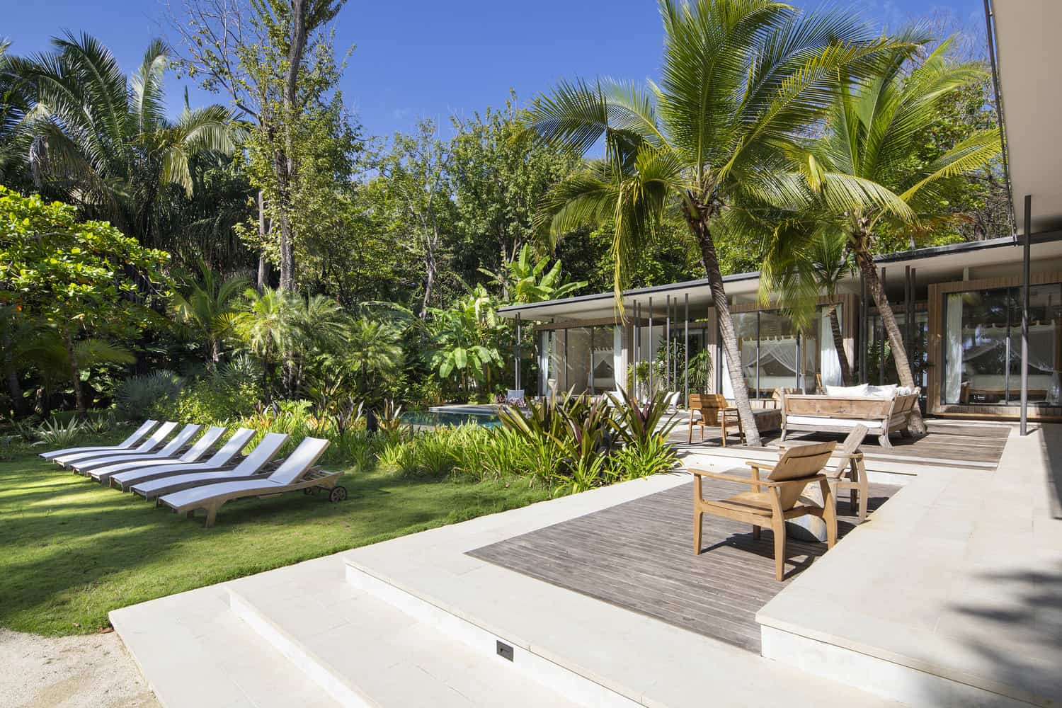 beach-house-patio-surrounded-by-jungle