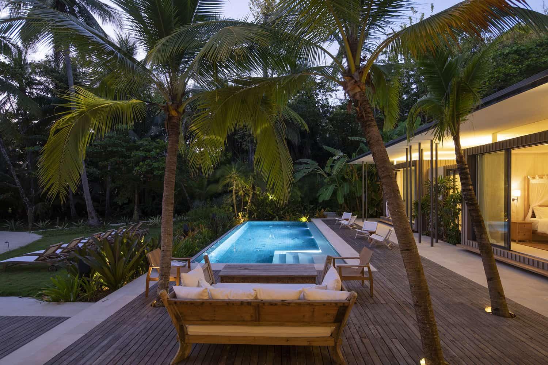 beach-house-pool