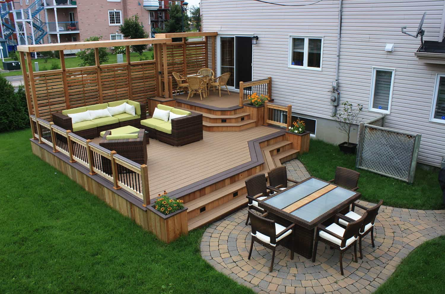 elevated-deck-with-a-privacy-screen