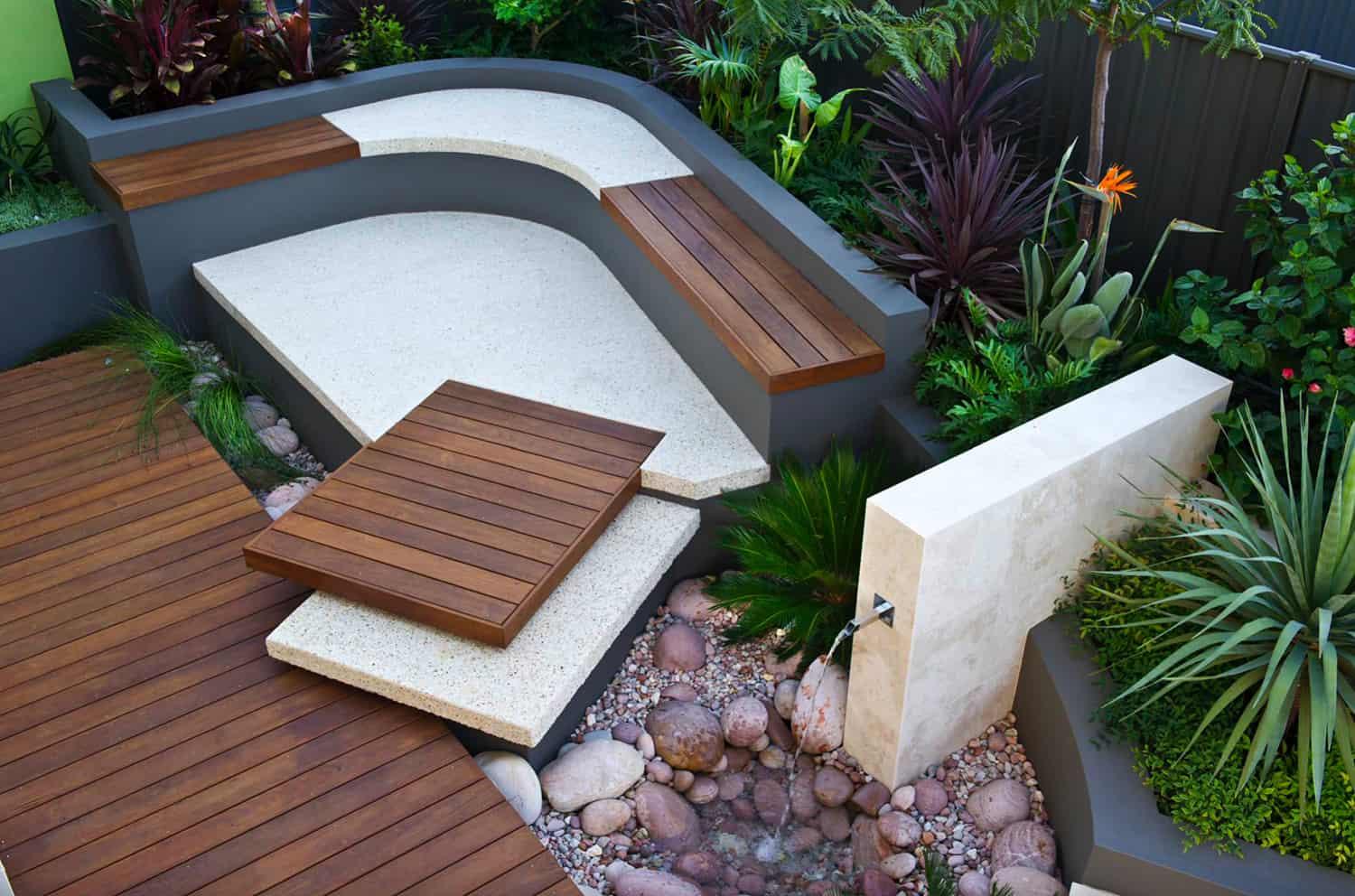 deck-with-a-water-fountain