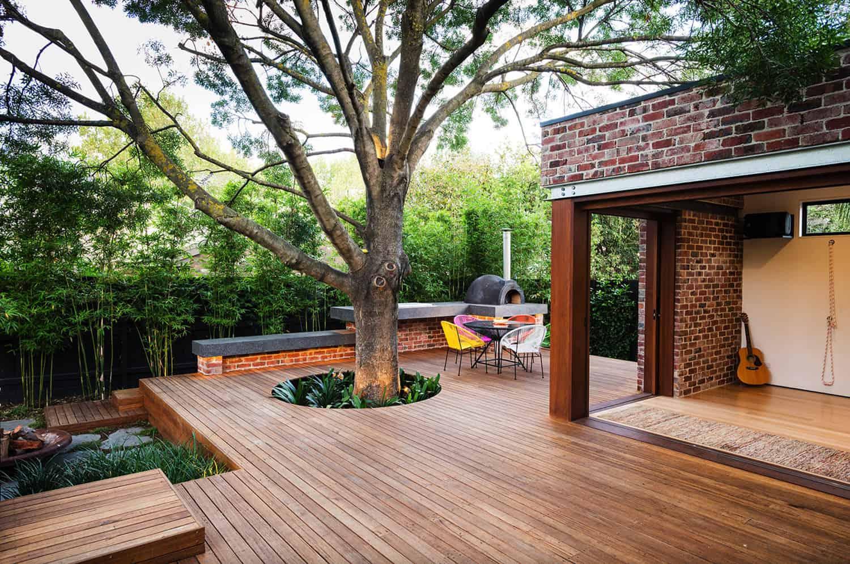 deck-around-a-tree