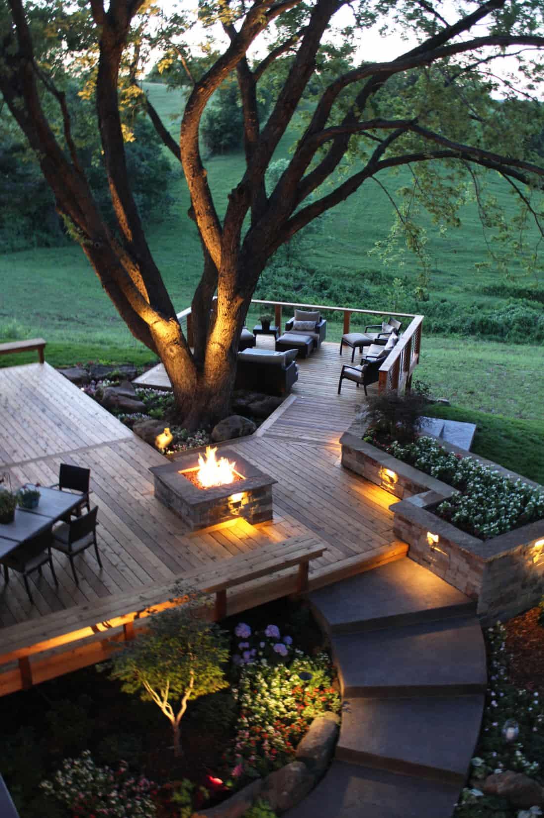 large-contemporary-cedar-sun-deck