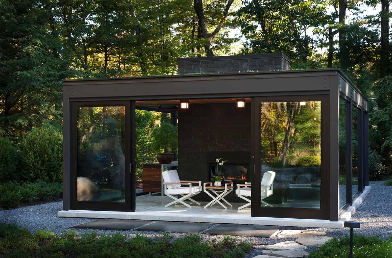 staklena kuća-u-vrtu-sa-zelenim krovom