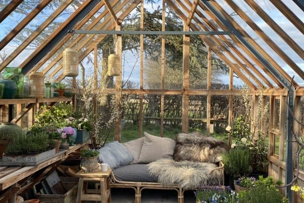 cottage-greenhouse