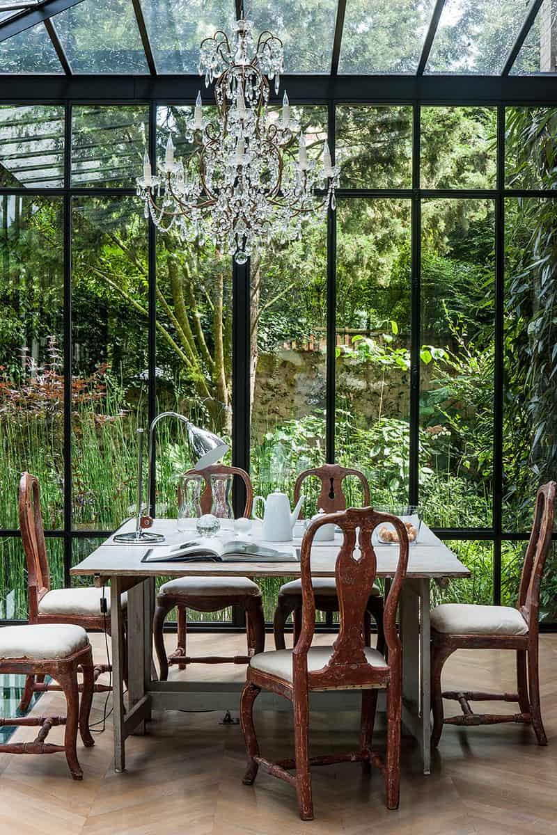solarium-design-with-a-garden-view
