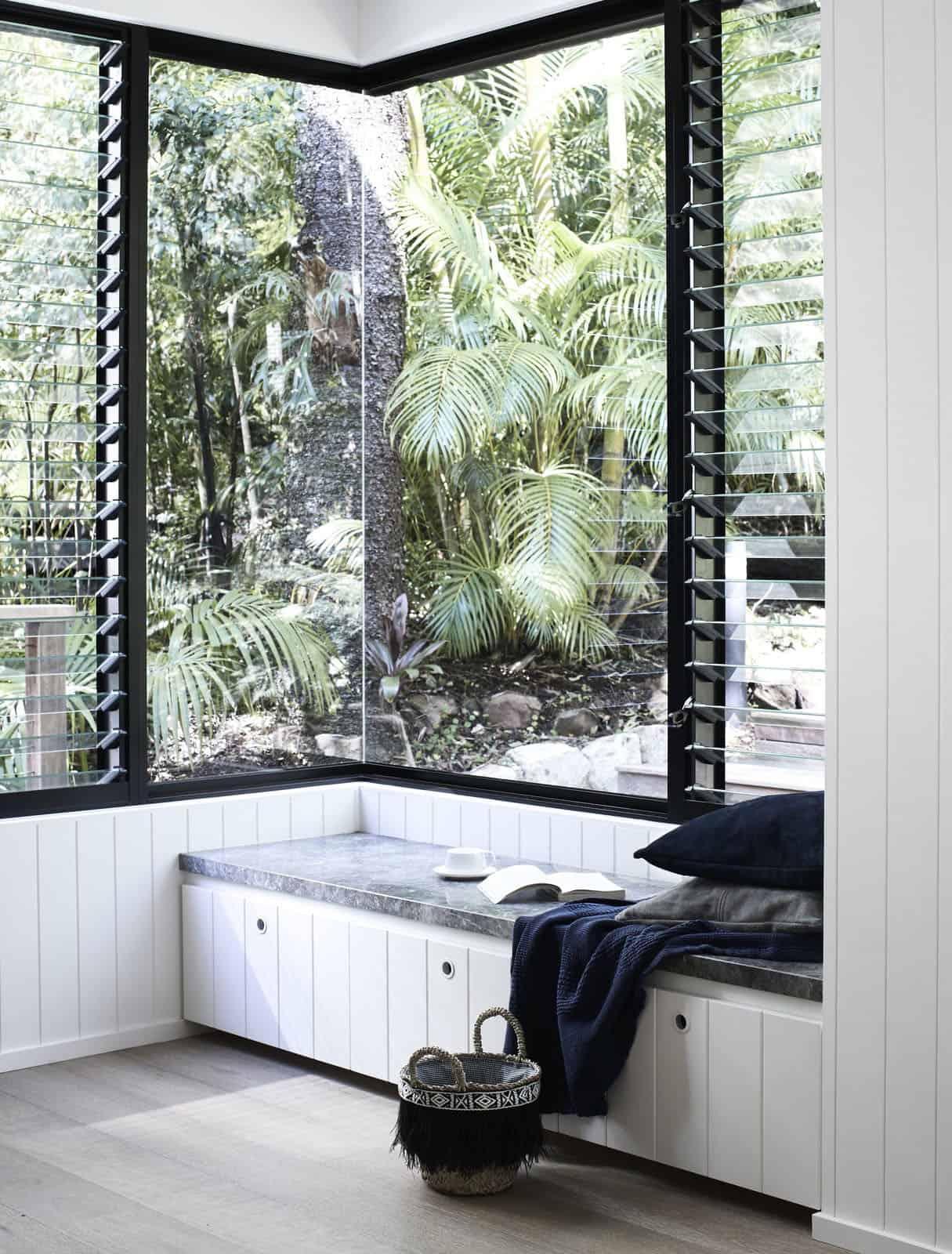 tropsko-povlačenje-ugrađeno-u-prozor-sjedalo