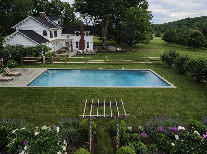 seoska kuća-bazen