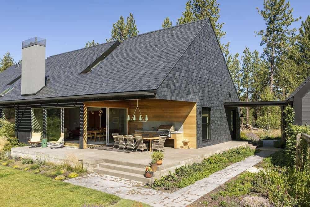 contemporary-home-exterior-back-porch