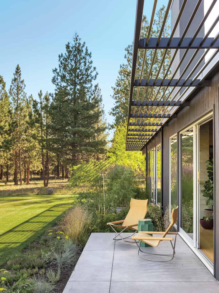 contemporary-home-exterior-private-patio