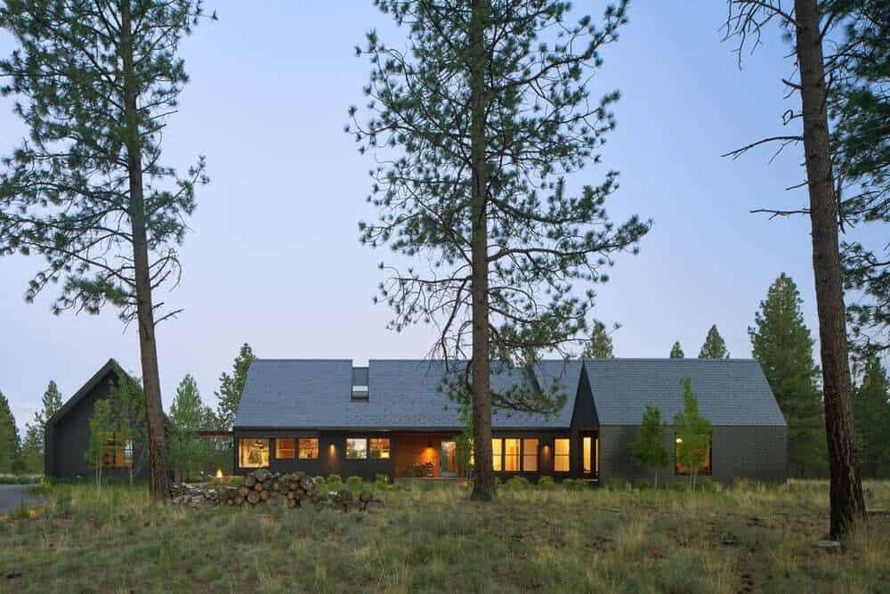 contemporary-home-exterior-night
