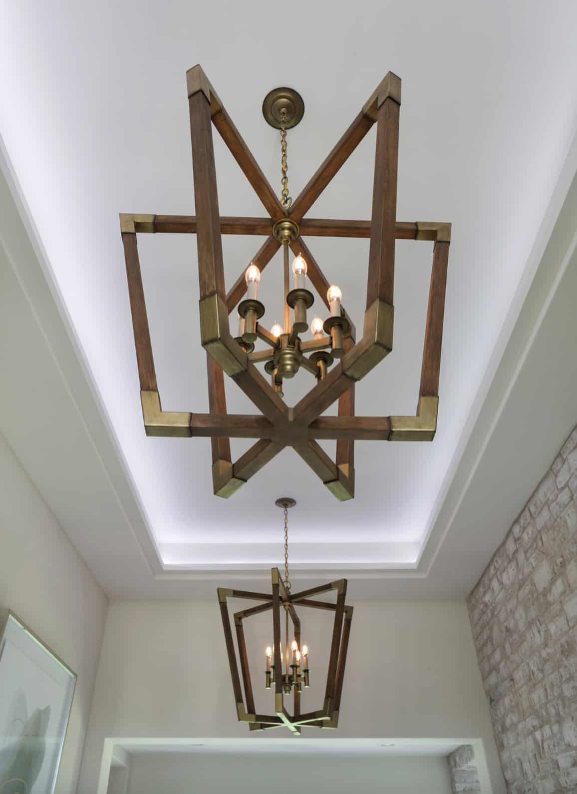 contemporary-light-fixture-detail