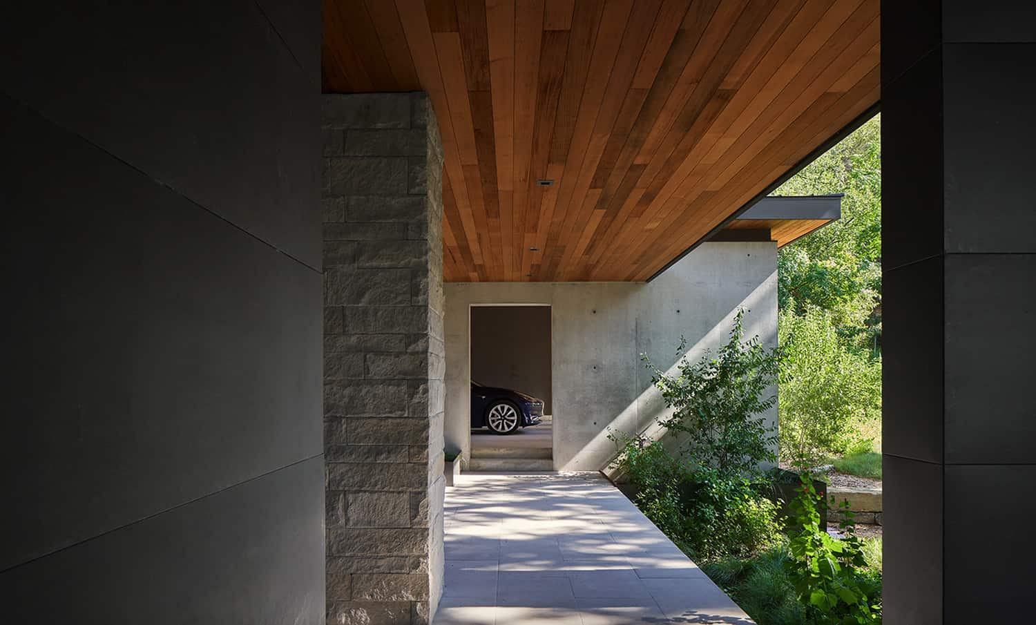 hill-country-contemporary-garage