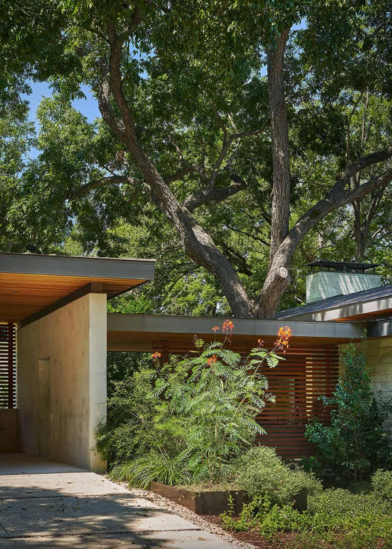 hill-country-contemporary-home-exterior