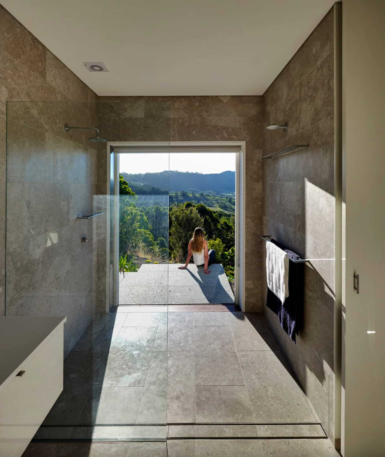 indoor-outdoor-shower-with-a-view