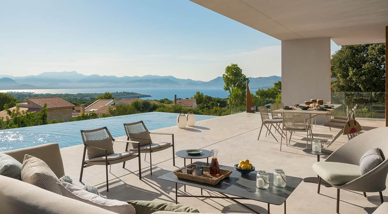 modern-villa-patio