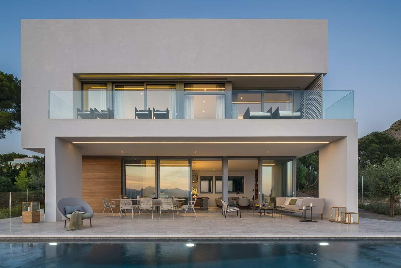 modern-villa-exterior