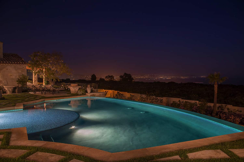 romanička-vila-bazen