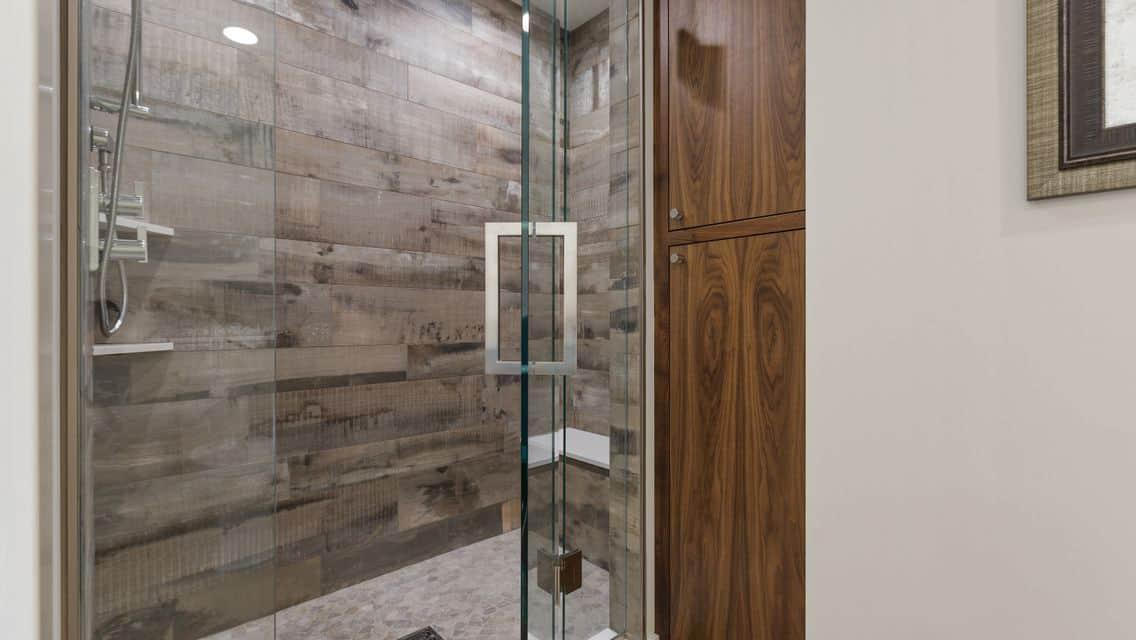 modern-farmhouse-basement-guest-bathroom