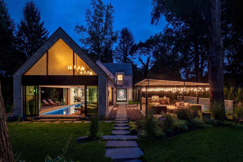 shingle-style-pool-house