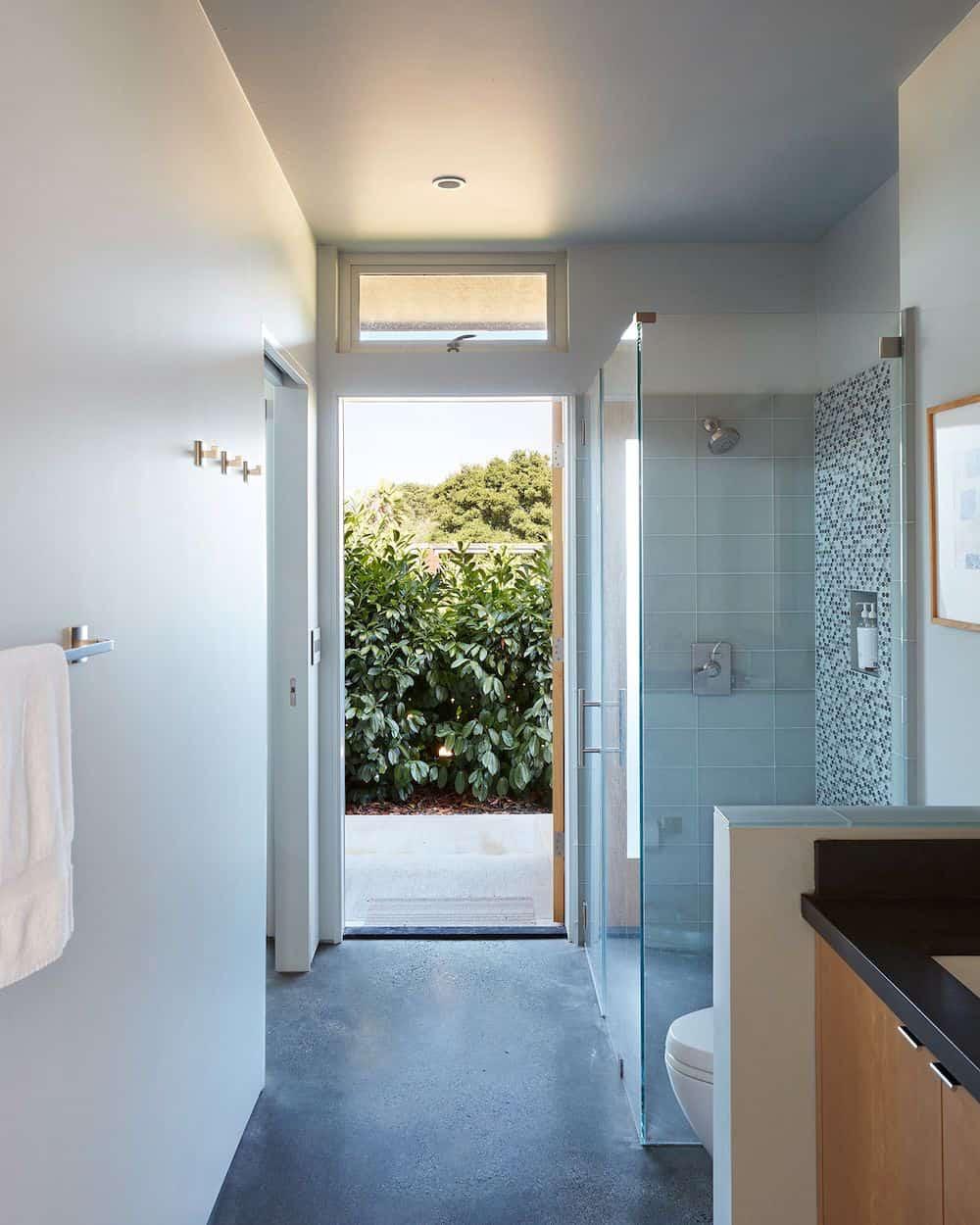 sredina stoljeća-bazen-gostinjska kuća-kupaonica