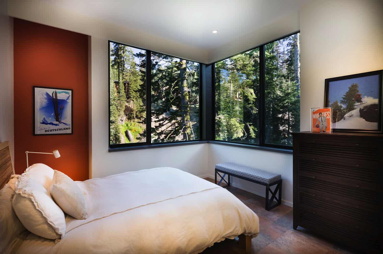 ski-cabin-bedroom
