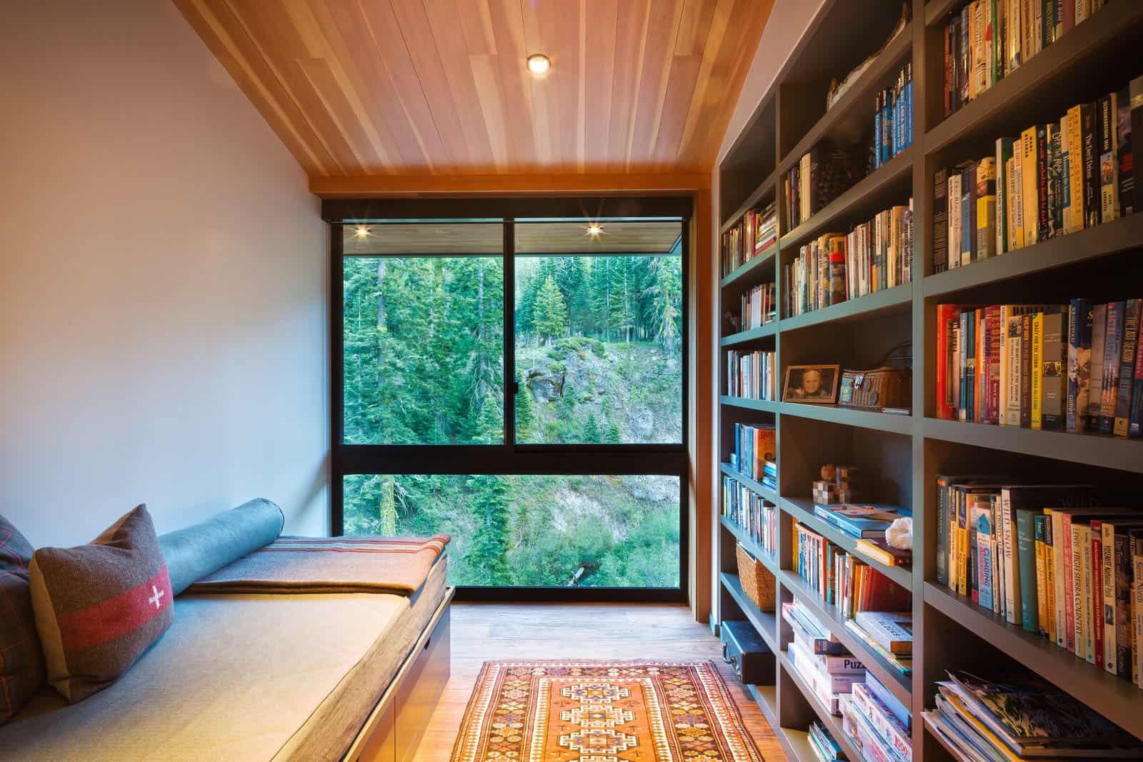ski-cabin-home-library
