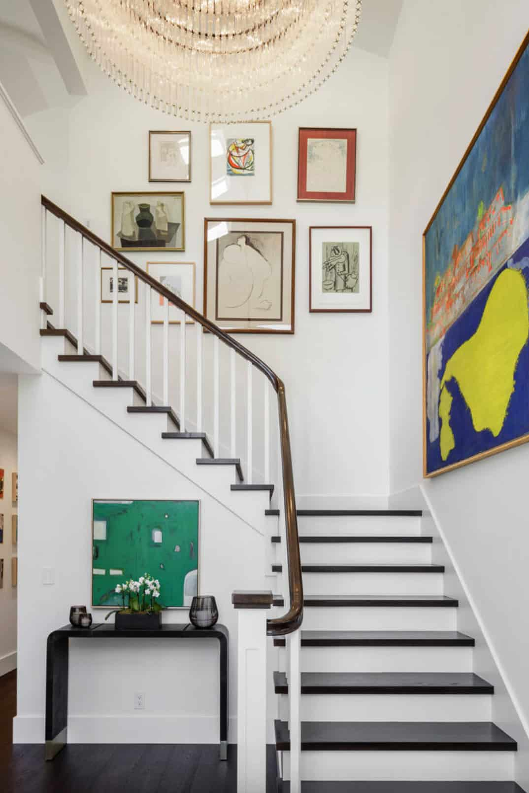 traditional-home-staircase