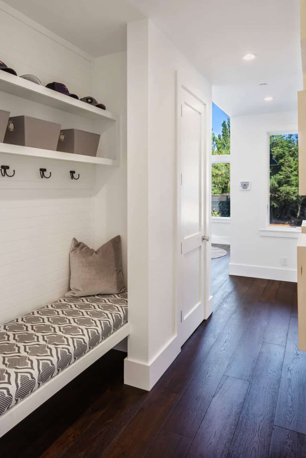 traditional-home-mudroom