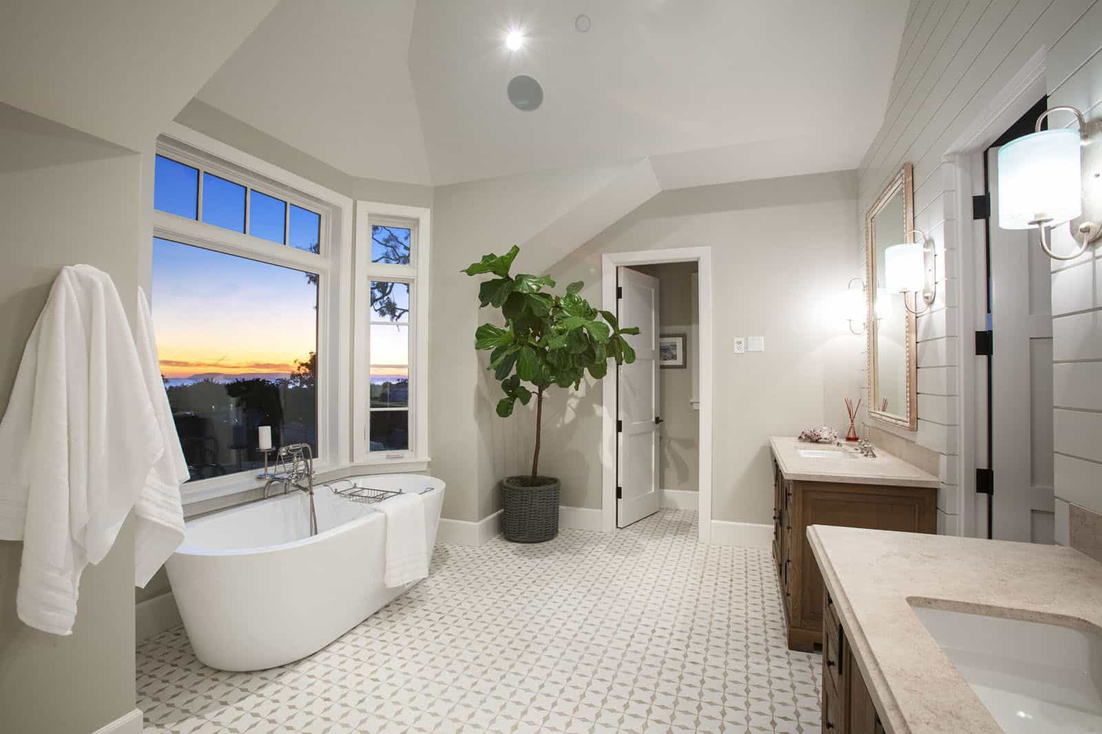 coastal-home-master-bathroom