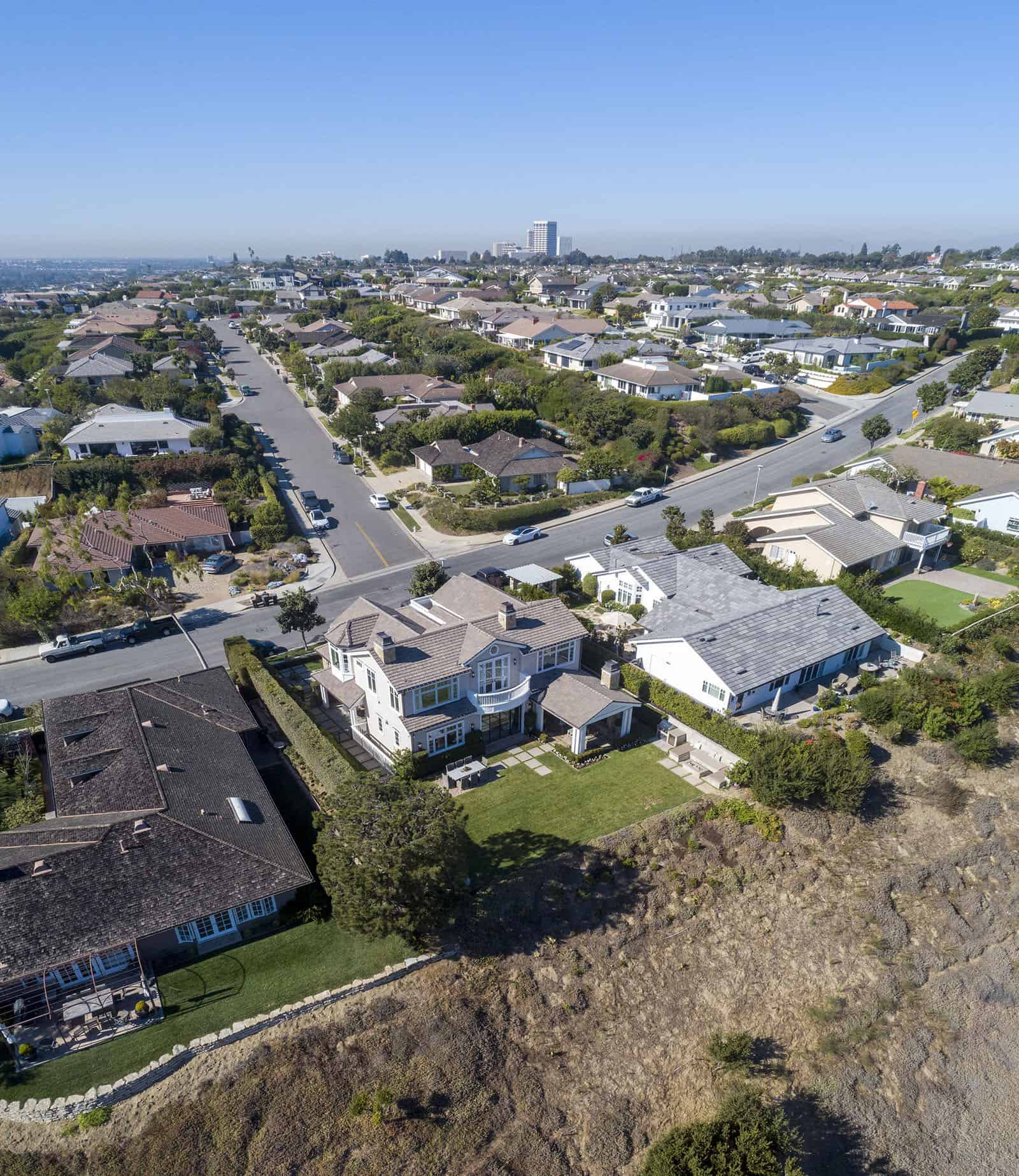 beach-style-home-exterior-aerial-view