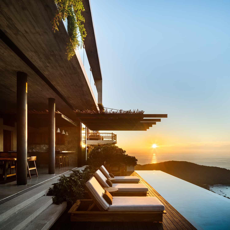 tropical-minimalist-holiday-home-swimming-pool