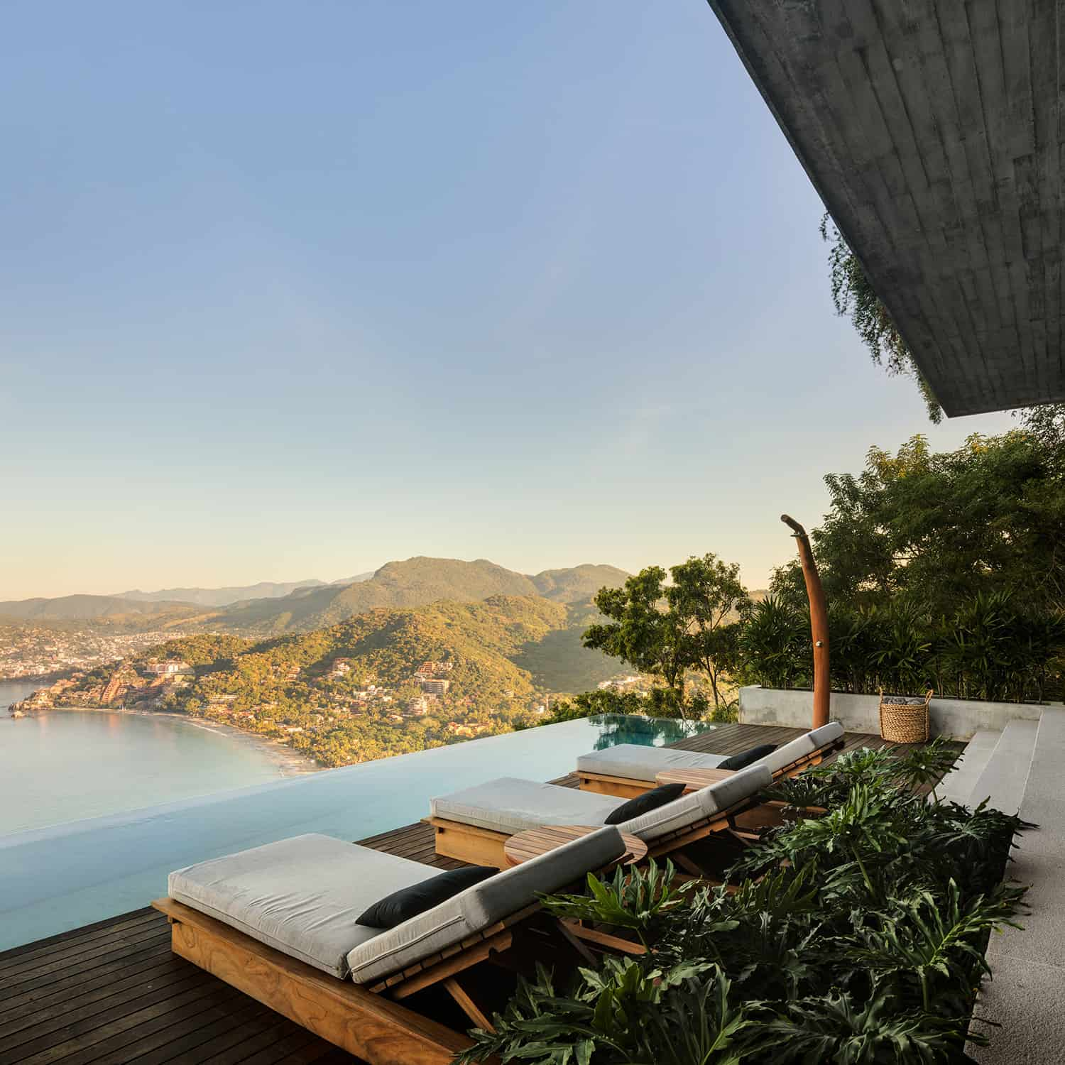 tropical-minimalist-deck-with-swimming-pool