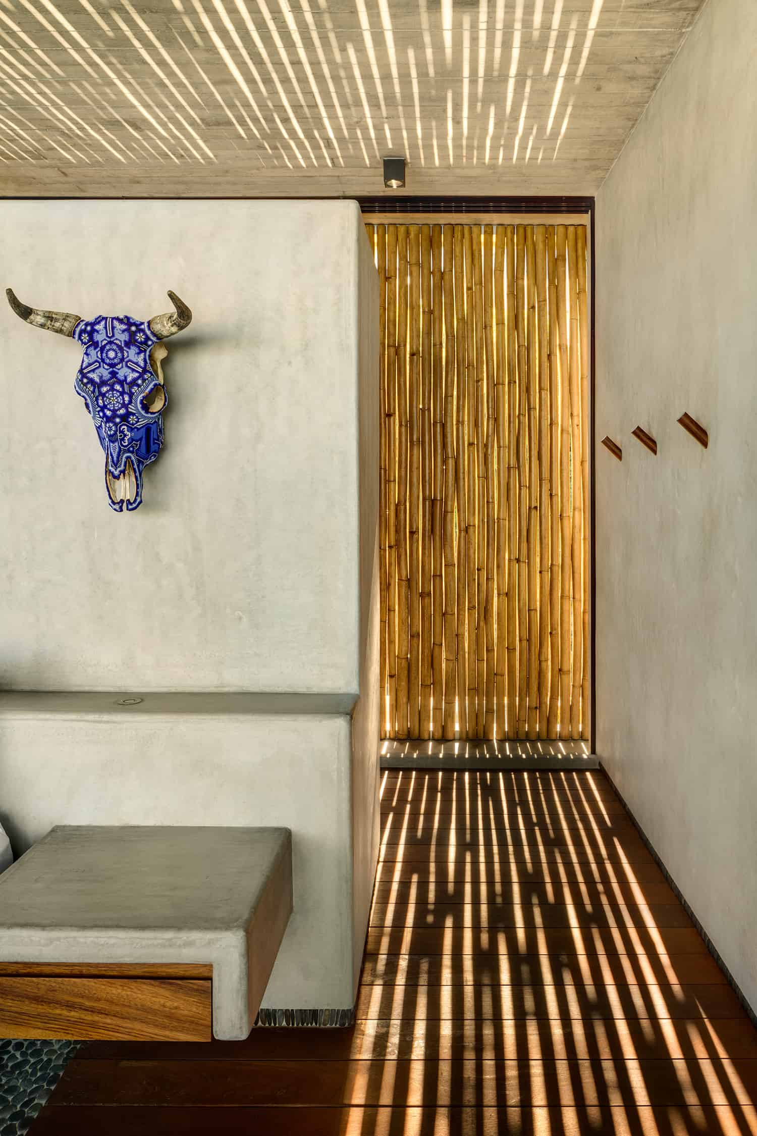 tropical-minimalist-wall-detail-bamboo