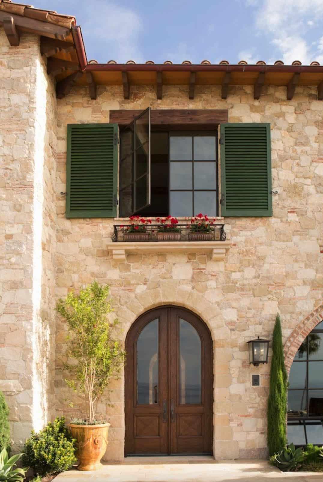 tuscan-villa-home-exterior
