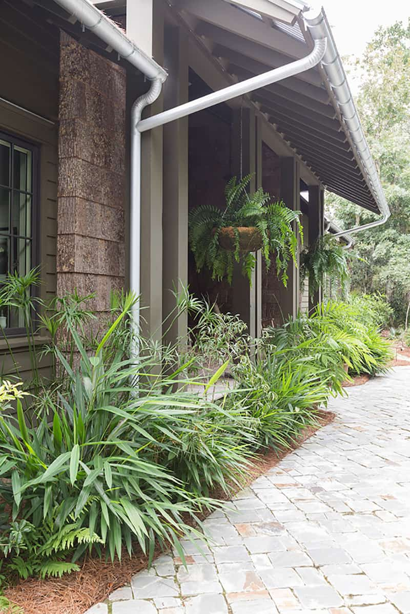 rustic-bayfront-home-exterior