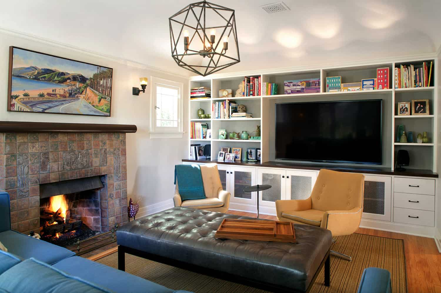 california-bungalow-style-living-room