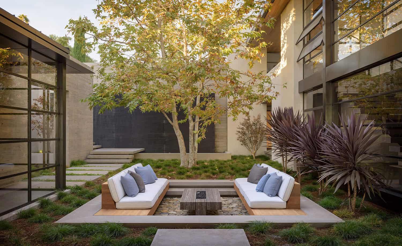 suvremeno-unutarnje dvorište