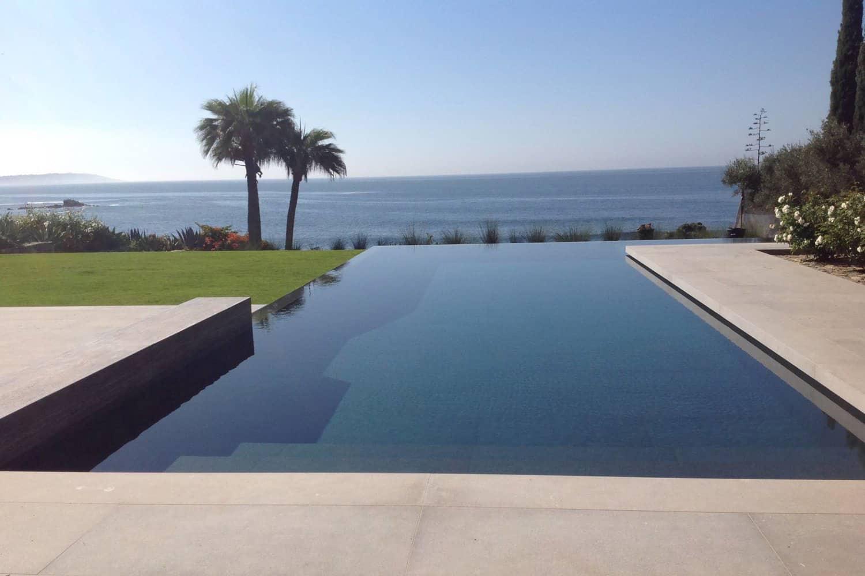 suvremeni-obalni-beskrajno-rubni-bazen