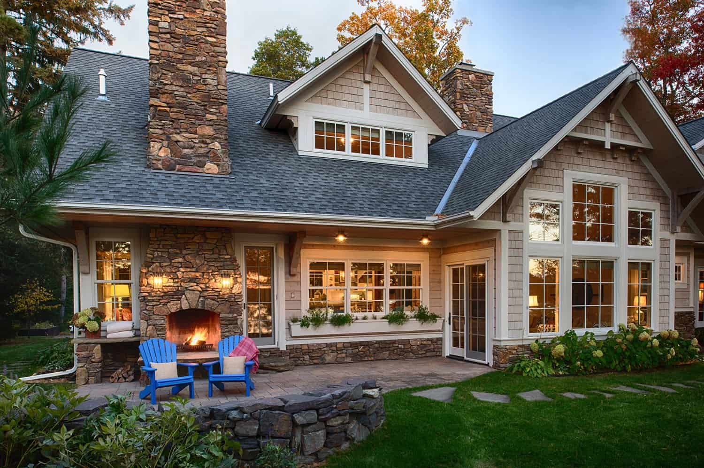 coastal-cottage-home-exterior