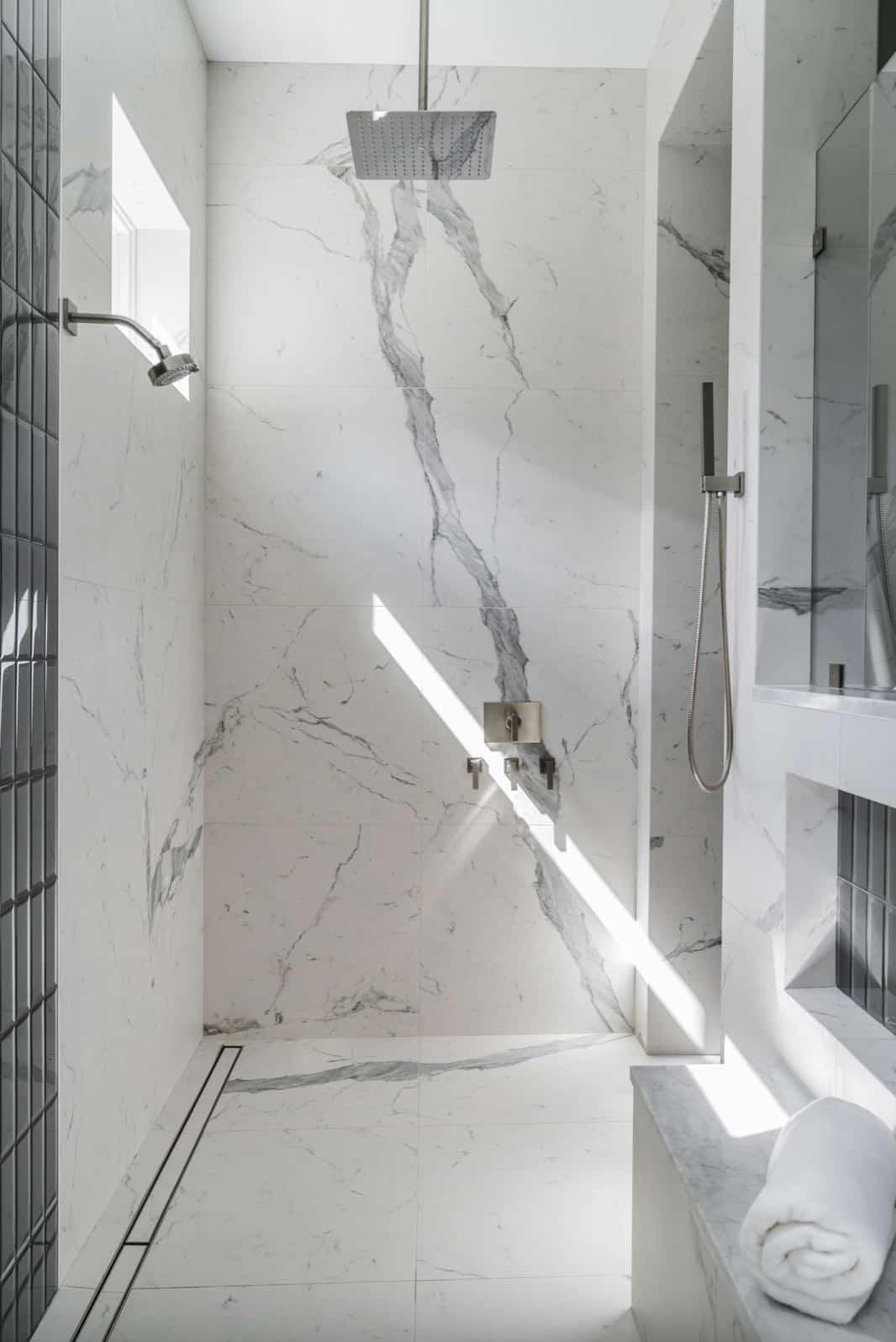 coastal-style-bathroom