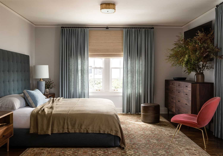 colonial-revival-bedroom