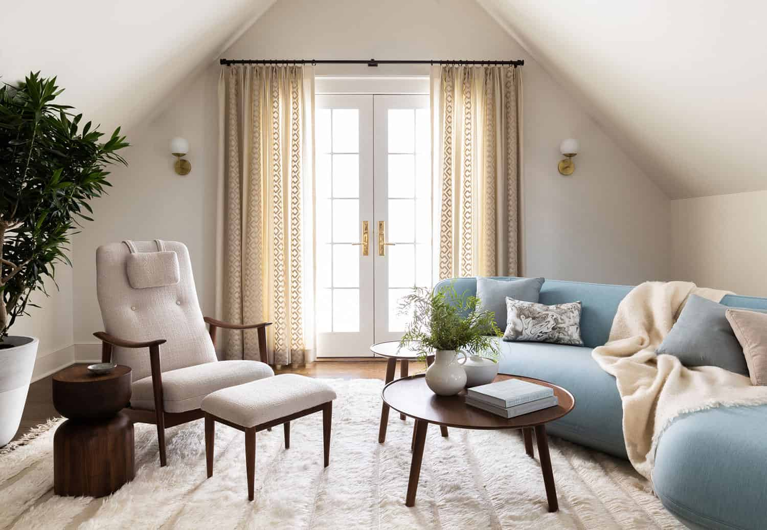 colonial-revival-family-room