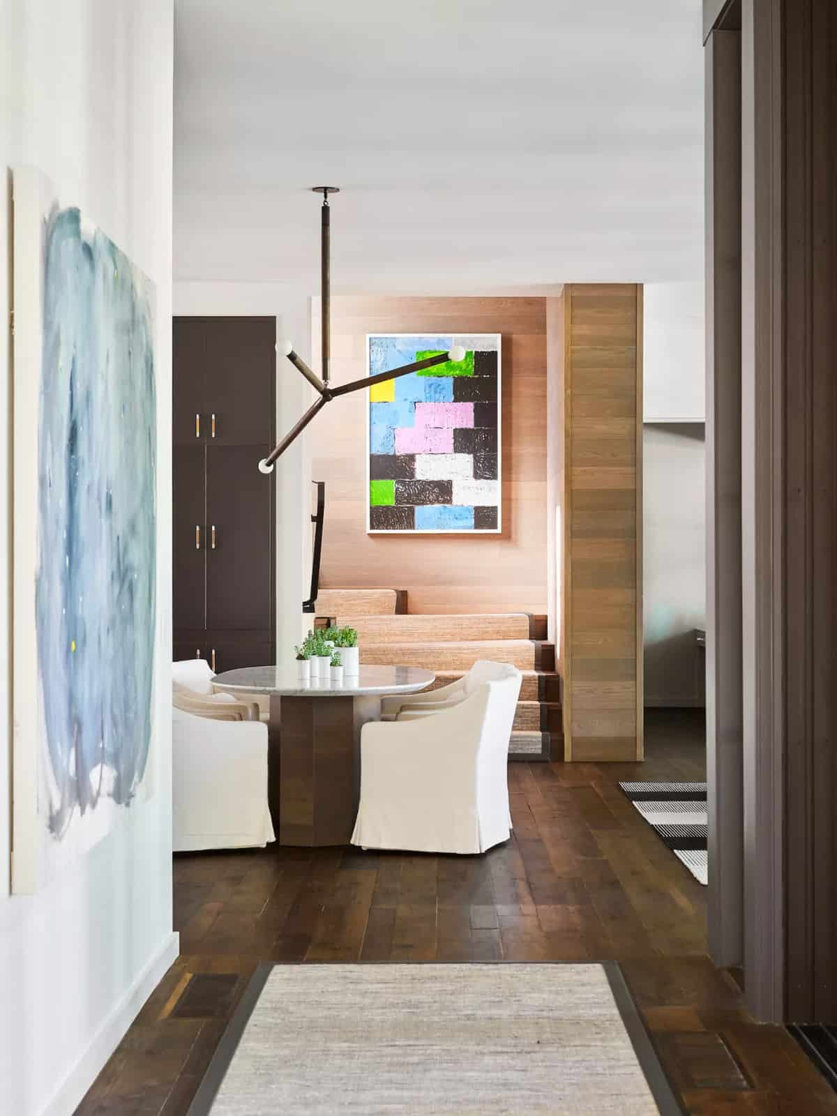 contemporary-casual-dining-room