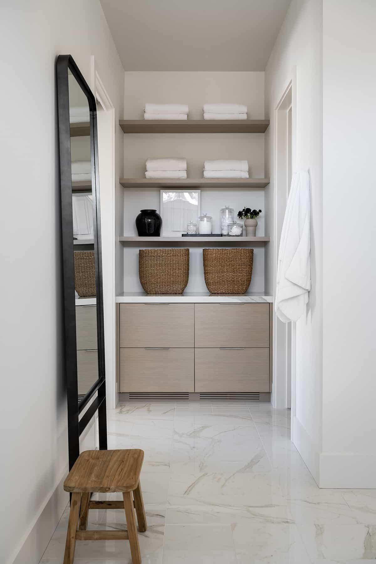 contemporary-bathroom-cabinetry-storage