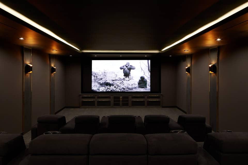 urban-farmhouse-home-theater