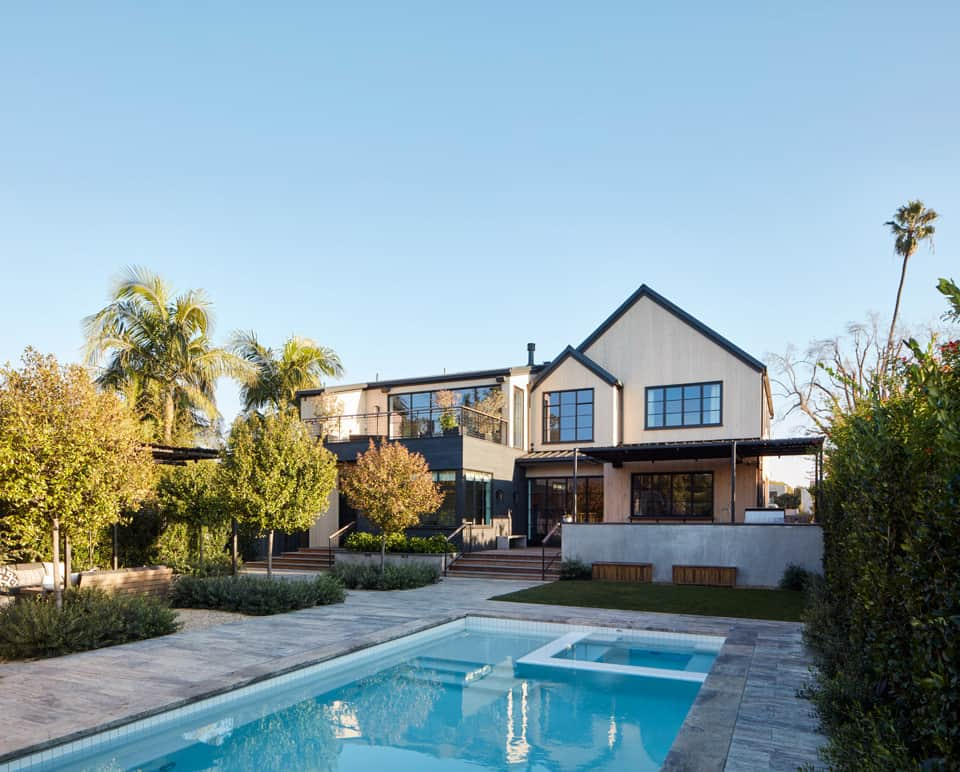 urban-farmhouse-pool