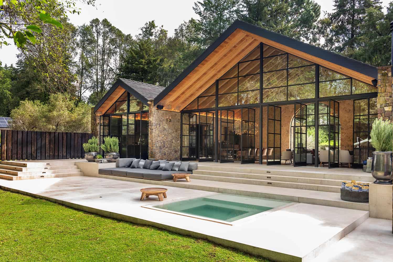 kuća u stilu haciende-terasa-s bazenom