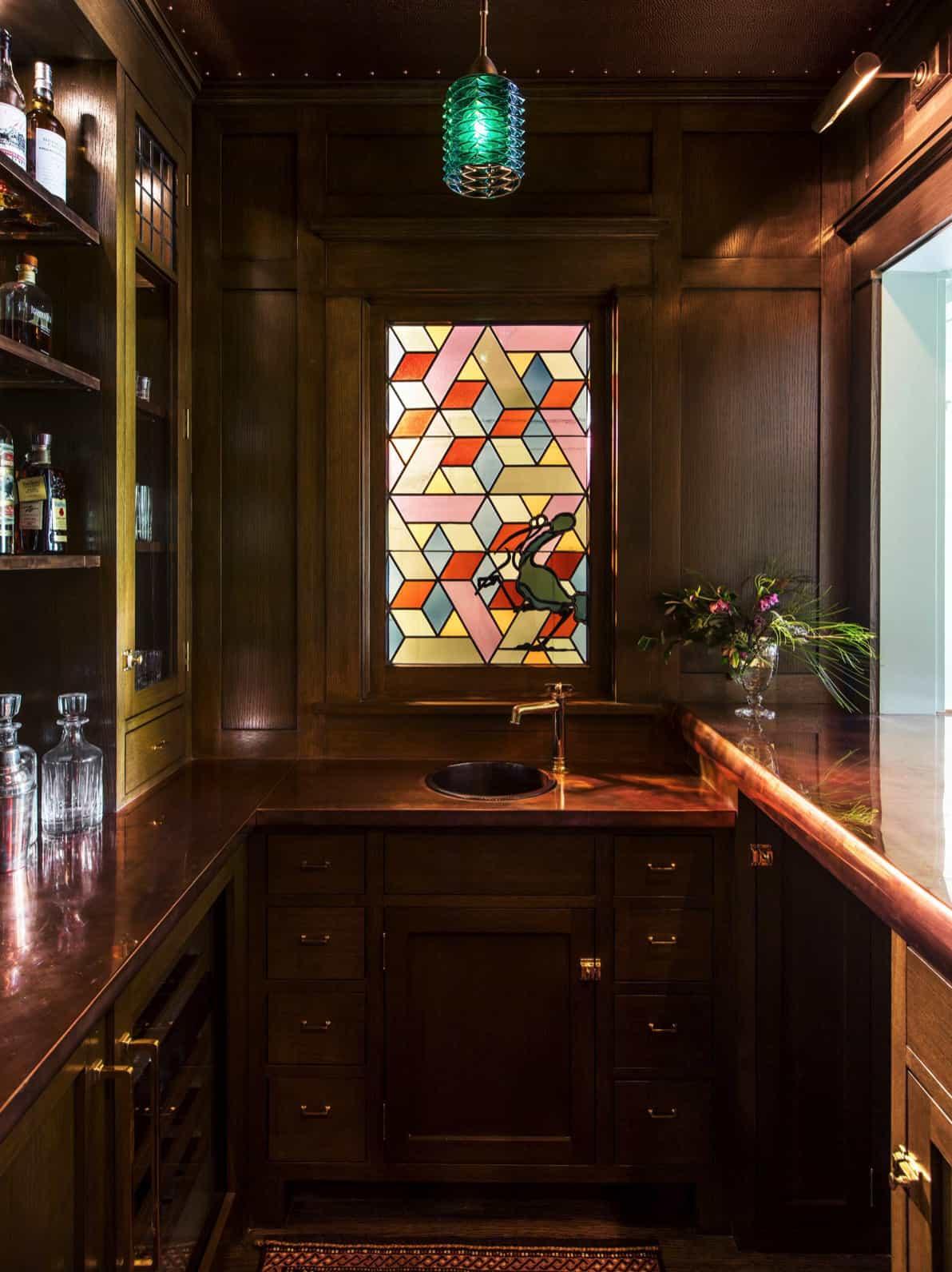 bar-s-vitrajem-prozor